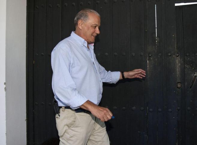 El ex consejero de Hacienda de la Junta Ángel Ojeda Avilés, entrando...