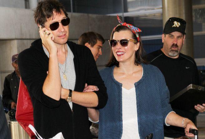 Jovovich, con su marido.