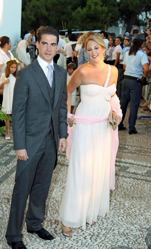 Príncipe Felipe de Grecia y Dinamarca (28). Es el hermano de Teodora...