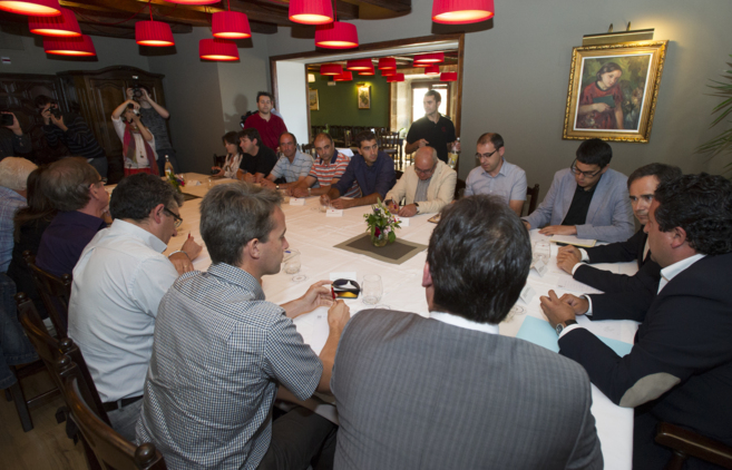 Reunión de Ayuntamiento, Diputación y CHE para dar soluciones a los...