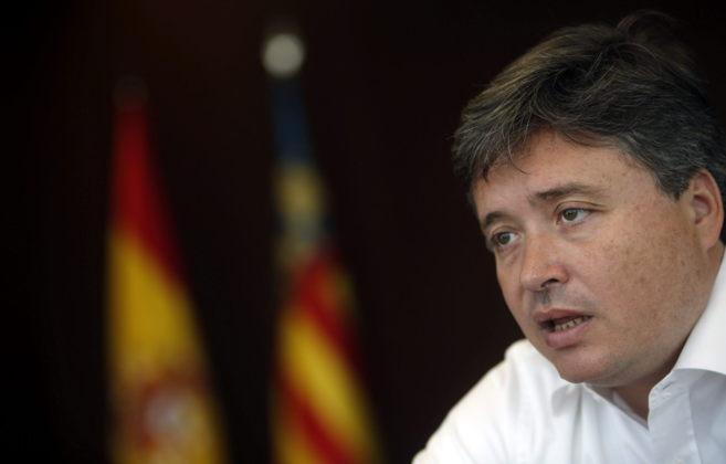 El conseller de Justicia y Gobernación, Luis Santamaría, en una...