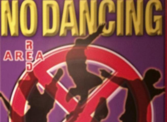 Detalle de un cartel en una discoteca de Tokio.