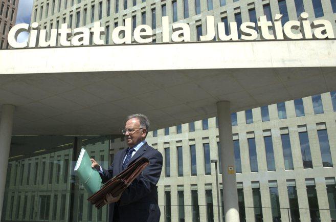 El Presidente del Sindicato Manos Limpias, Miguel Bernard, en la...