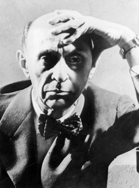 Retrato de Arnold Schoenberg en 1925
