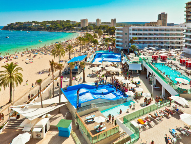 Vista aérea del complejo hotelero del Hotel Sol Wave House de Melià,...