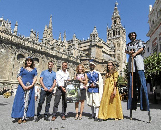 Actores, la vicepresidenta de la Diputación, el alcalde de Alanís y...