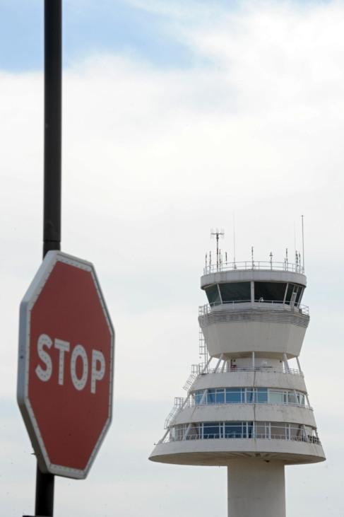 Torre de control del aeropuerto de Vitoria-Foronda.