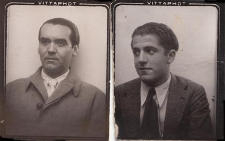 Federico y Rafael, fotografiados para su cédula de identidad en...