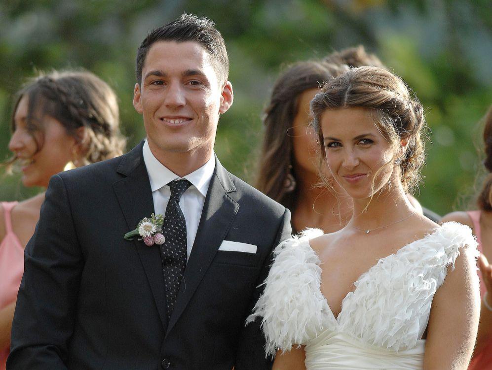 Aleix Espargaró junto a su mujer, Laura Montero.