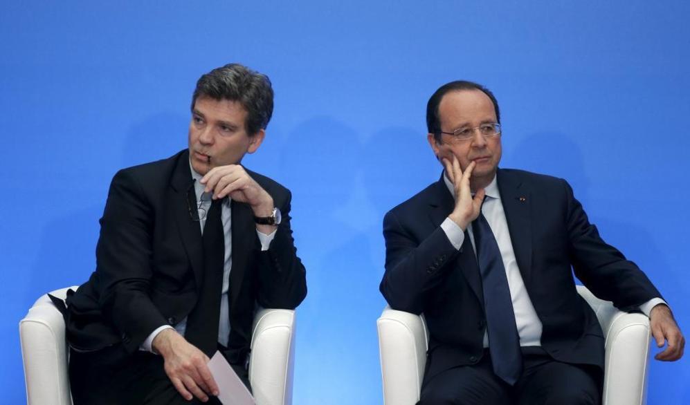 El responsable de Economía francés, Arnaud Montebourg, y el...