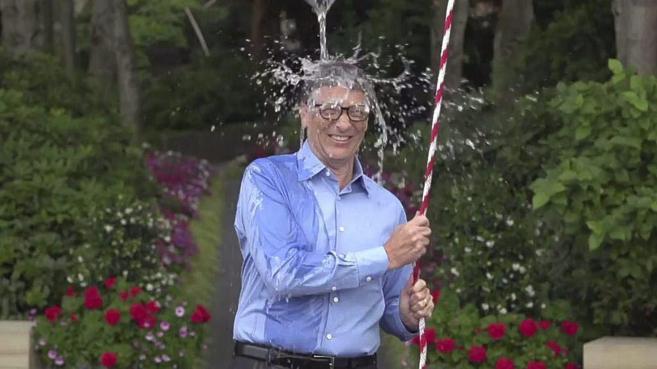Bill Gates es uno de los famosos estadounidenses que cumplió con el...