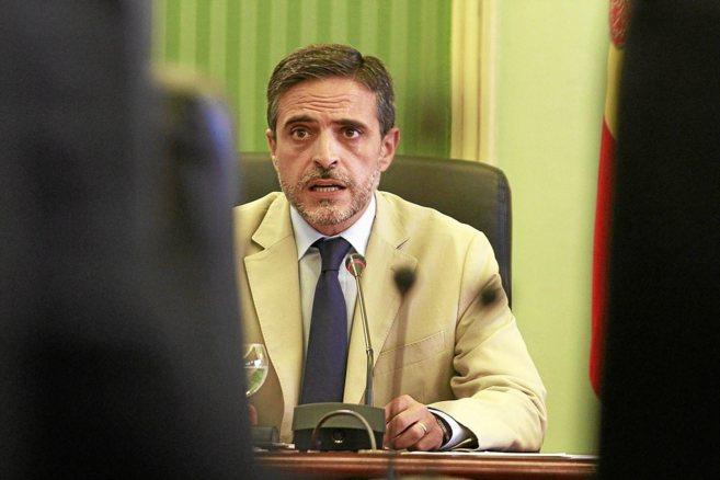 El conseller de Hacienda, José Vicente Marí, ayer durante su...