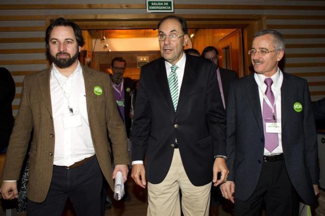 Santiago Abascal, Alejo Vidal-Qadras y José Antonio Ortega Lara, en...
