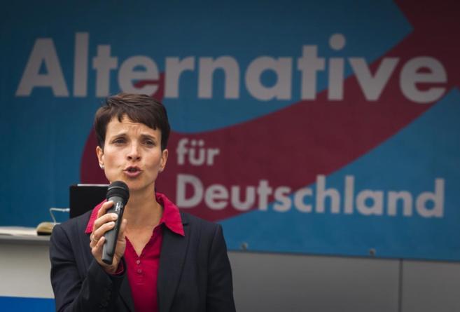 Frauke Petry, candidata del AfD en Sajonia, en un mitin en Dresde.