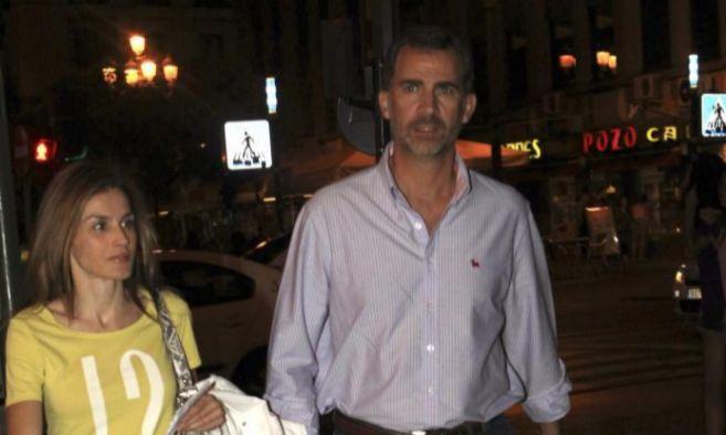 La Reina Letizia y el Rey Felipe VI acuden al cine en Madrid.