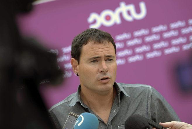 El presidente de Sortu, Hasier Arraiz, en su intervención en...
