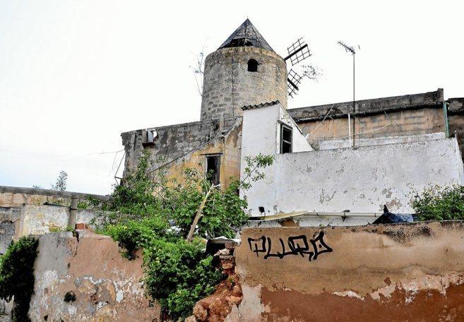 Los molinos den Celos y de Sa Garriguera son los que están en peor...