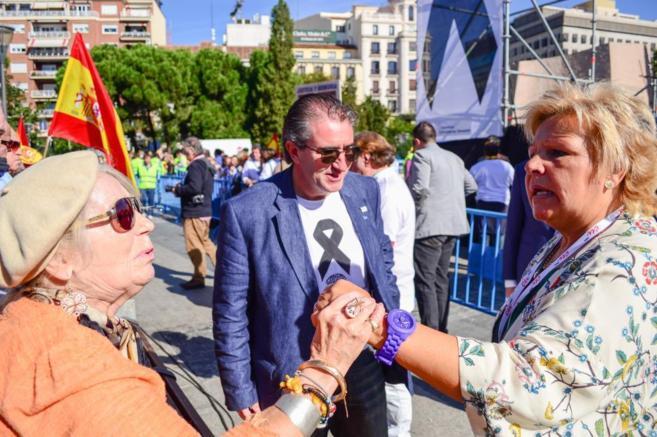 Ángeles Pedraza junto a Miguel Folguera en uno de los actos...