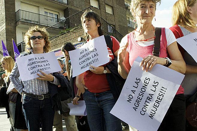 Mujeres durante una concentración en Bilbao contra las agresiones...