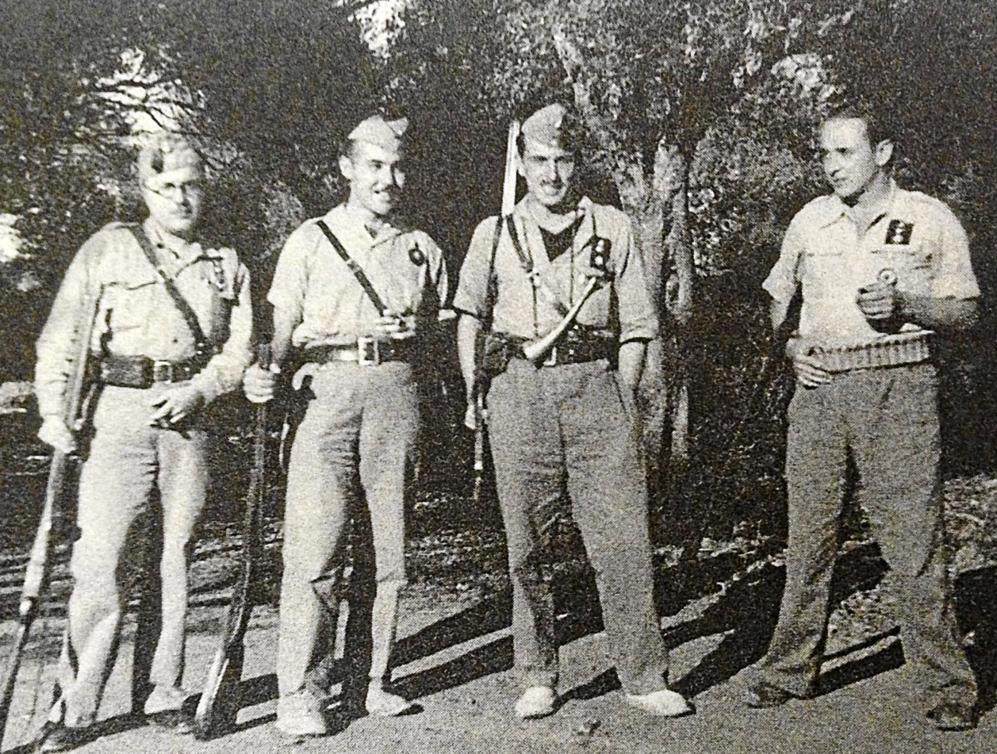 Gafim (segundo por la dcha.) en Artà en noviembre de 1936.