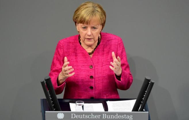 La canciller alemana, Angela Merkel, se dirige al Pleno del Bundestag,...