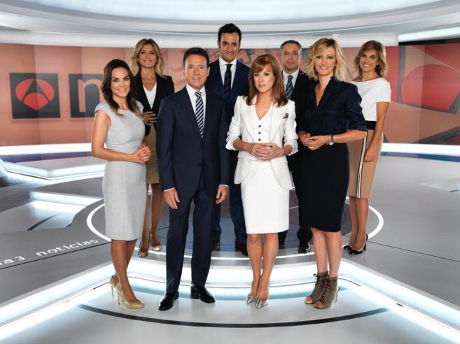 El equipo de Antena 3 Noticias, liderado por Gloria Lomana.