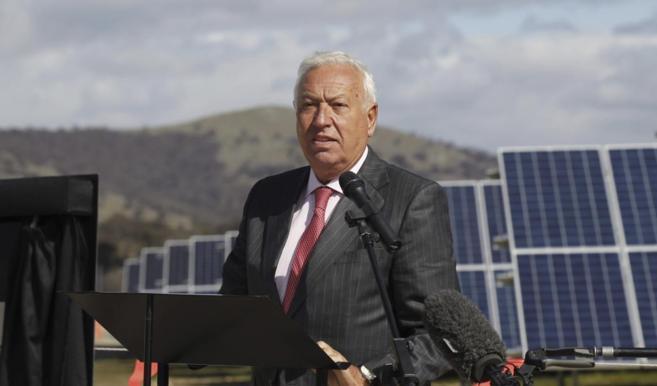 José Manuel García-Margallo, durante una visita a una planta solar...