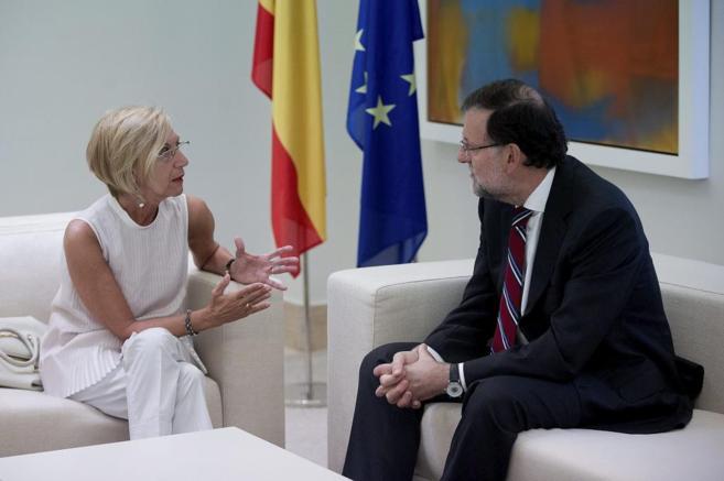 Rosa Díez y Mariano Rajoy, durante su encuentro.