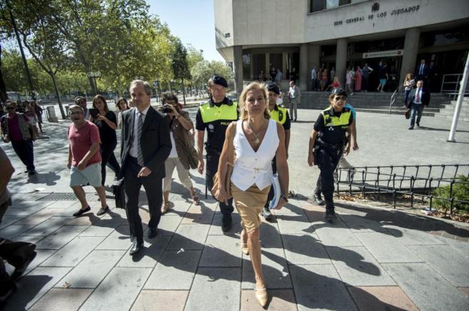 Ana Gomendio, directora del IVIMA, tras declarar en Plaza de Castilla.