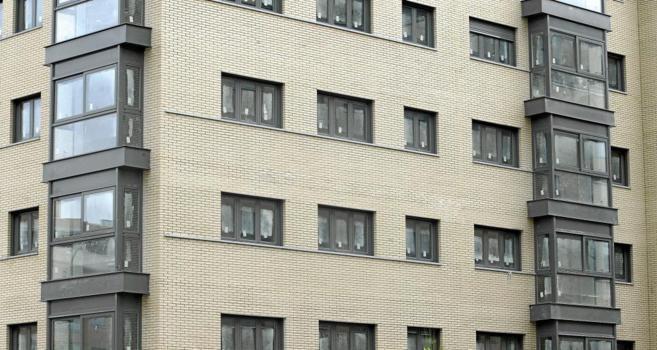 Imagen de archivo de un bloque de pisos terminados en Sanchinarro,...