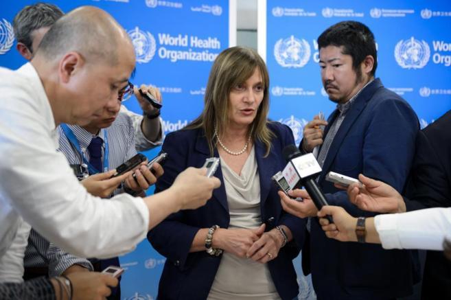 La subdirectora general de la OMS, Marie-Paule Kieny, durante una...