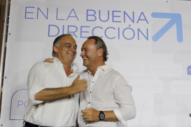 González Pons, con Alberto Fabra, este viernes en les Alqueries.