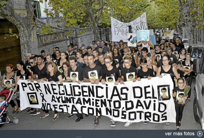 La marcha encabezada por los familiares de David Grimaldos.