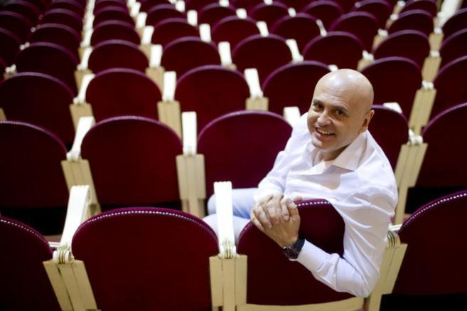 El nuevo director del Teatro Español, Juan Carlos Pérez de la...