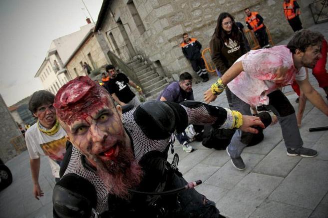 Un momento de la 'Suvival Zombie', en Collado Villalba.
