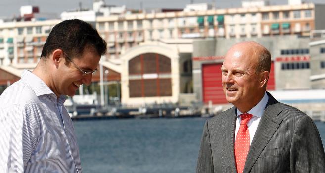 Íker Marcaide, copresidente de Iberian Tech Tour, y el consejero de...