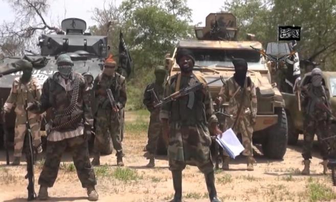 Imagen de un vídeo del grupo terrorista Boko Haram, con su líder,...
