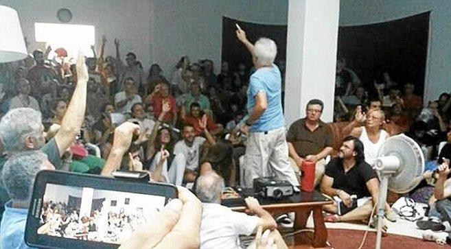 La asamblea constitutiva de Ganemos Sevilla, el pasado miércoles en...