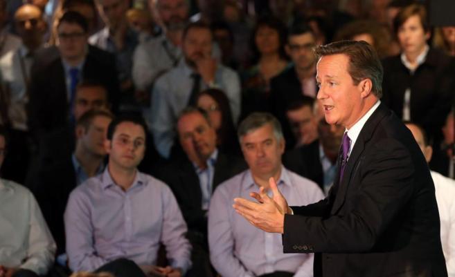 El primer ministro británico, David Cameron, durante su intervención...