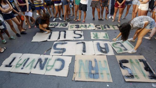 Protesta de los alumnos del Instituto San Vicente Ferrer de Valencia y...