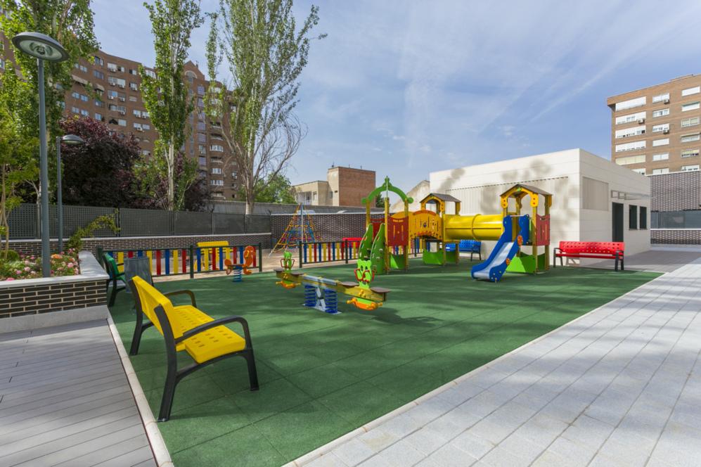 Parque infantil en Puerta del Retiro, de Vía Célere.