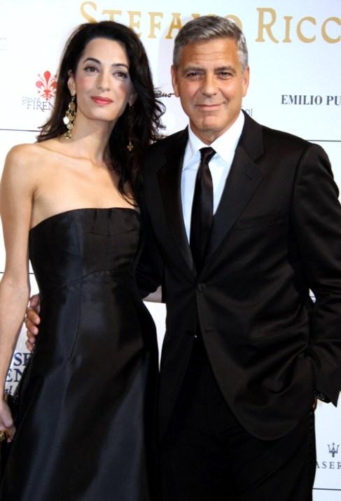 George Clooney y su prometida.