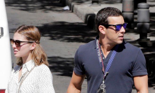 Los actores María Valerde y Mario Casas pasean por las calles de...