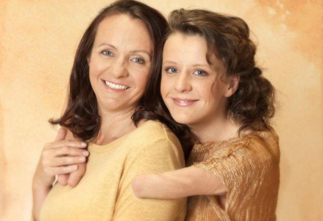 La joven Danielle y su madre, fotografiadas por Anne Geddes para una...