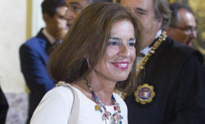La alcaldesa de Madrid, Ana Botella tras anunciar que no se presentera...