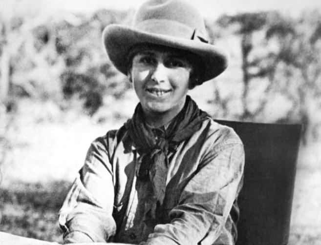 Blixen, en su casa en Kenia, a donde llegó en 1914. Falleció en...