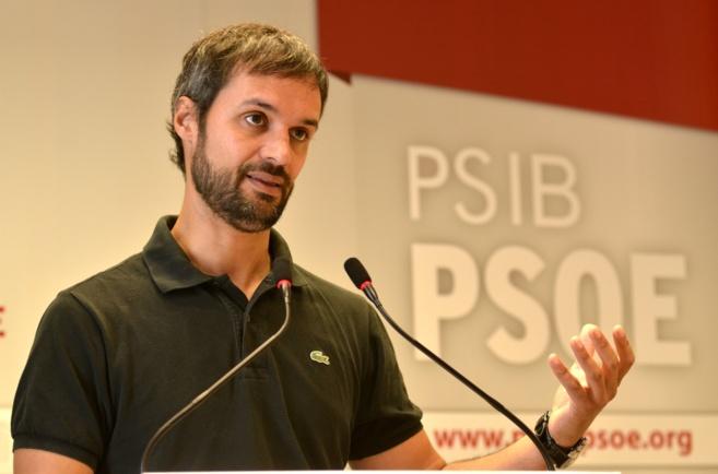 El diputado socialista en el Congreso Pablo Martín en rueda de...