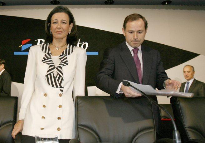La nueva presidenta del Santander, Ana Botín, y Jaime Pérez...