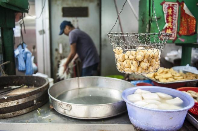 Las autoridades investigan si determinados alimentos contienen aceite...