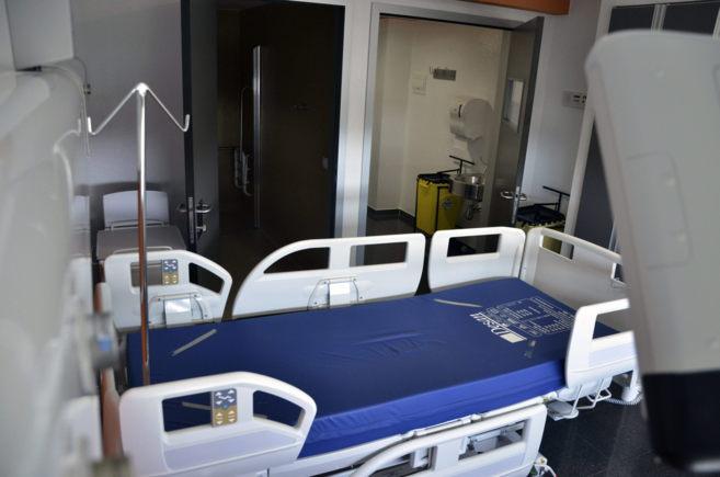 Habitación de Son Espases preparada para posibles pacientes...